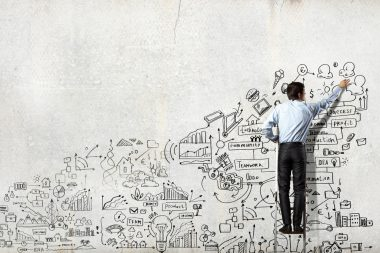 Innopitch - man draws the way to success on a wall